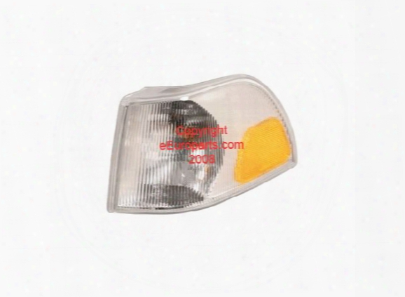 Left Side Turnsignal Assembly - Uro Parts 9169372 Volvo 9178904