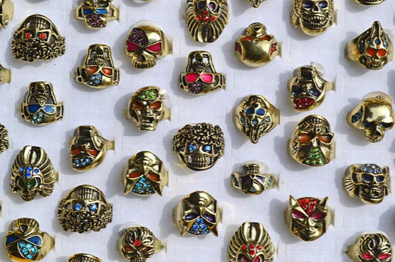 50pcs Big Gothic Skull Carved Biker Rings Colorful Rhinestone Oil Drop Craft Gold Tone Finger Ring R553 New Jewelry