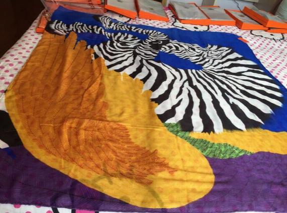 Gorgeous 100% Silk Brand H001 Women's Square Scarves Large Si Ze,best Girlfriend Gift Luxury Handmade Scarf Zebra Pegasus Design H Scarf Box