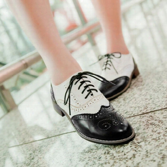 2015 Hot Sale Fashion Vintage Carved Woman Leisure Shoes ,lacing Oxford Shoes For Woman,white And Black Oxofrd Shoes