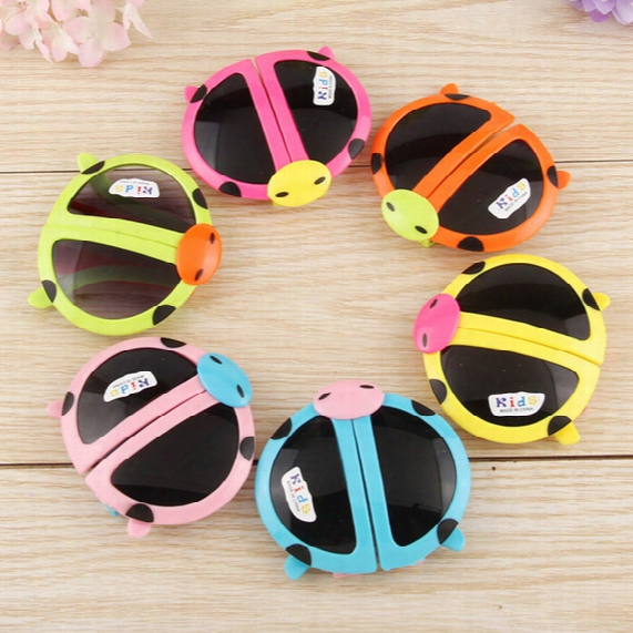 2017 New Cartoon Sunglass Transformable Eyewear Ladybug Kids Sunglasses Summer Style Foldable Sun Glasses Party Favors Gift