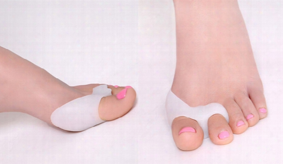Silicone Gel Foot Fingers Two Hole Toe Separator Thumb Valgus Protector Bunion Adjuster Hallux Valgus Guard Feet Care