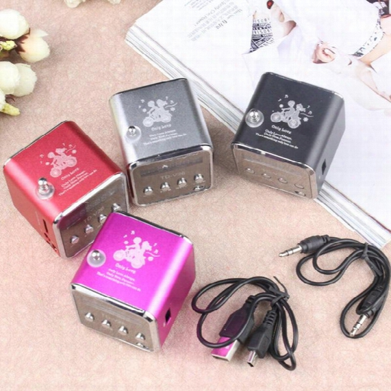 Hot Selling Very Small Portable Mini Speaker With Display Fm Radio With Insert Card Play Computer Mp3